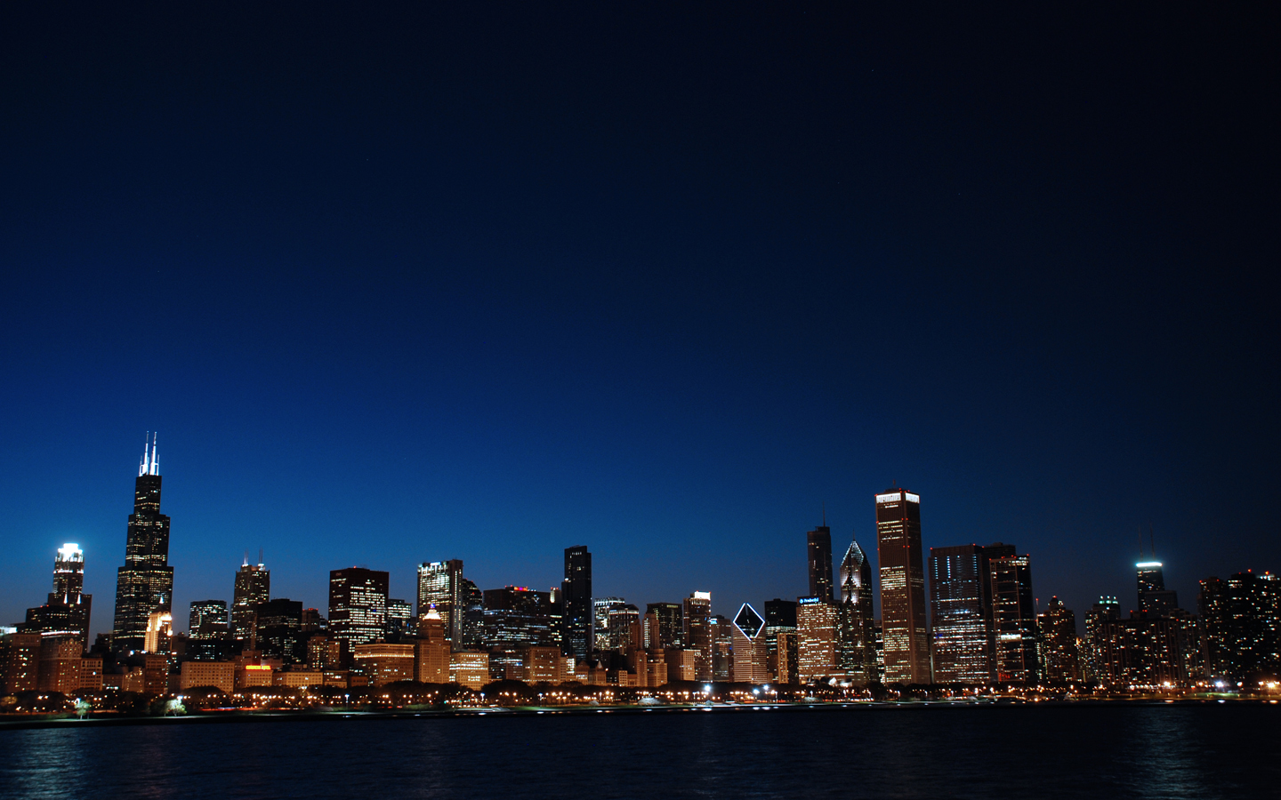 bk_040910_ChicagoSkyline_night